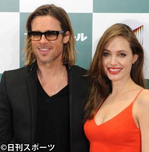 ブラッド・ピット(左)とアンジェリーナ・ジョリー(写真は2011年11月9日)