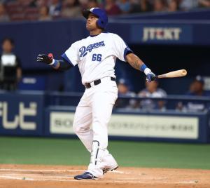 13日、日本ハム戦で本塁打を放つビシエド