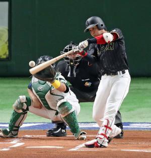 オーストラリア対日本 1回表日本無死、山田は中前打を放つ(撮影・松本俊)