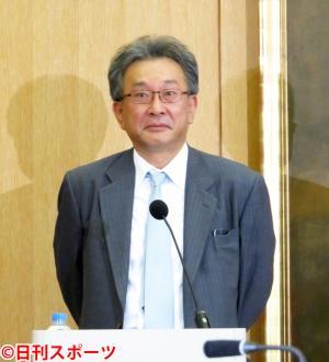 父に次ぐ芥川賞受賞を期待された司会の遠藤龍之介専務