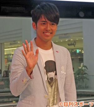 新曲「桐箪笥のうた」発売記念イベントを行った韓国人歌手K(撮影・近藤由美子)
