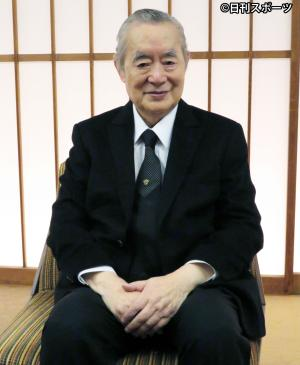 仲裁に名乗りを上げたドクター・中松氏