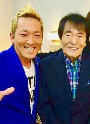 平尾昌晃さんと次男の平尾勇気