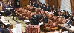 衆院の閉会中審査で発言する文科省の前川喜平前事務次官(共同)