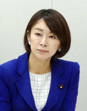 山尾志桜里氏(16年4月11日撮影)