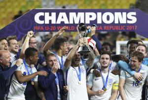 U20W杯で初優勝したイングランド代表(AP)